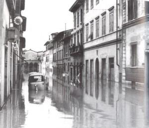 Alluvione_di_Firenze_pubblico-dominio